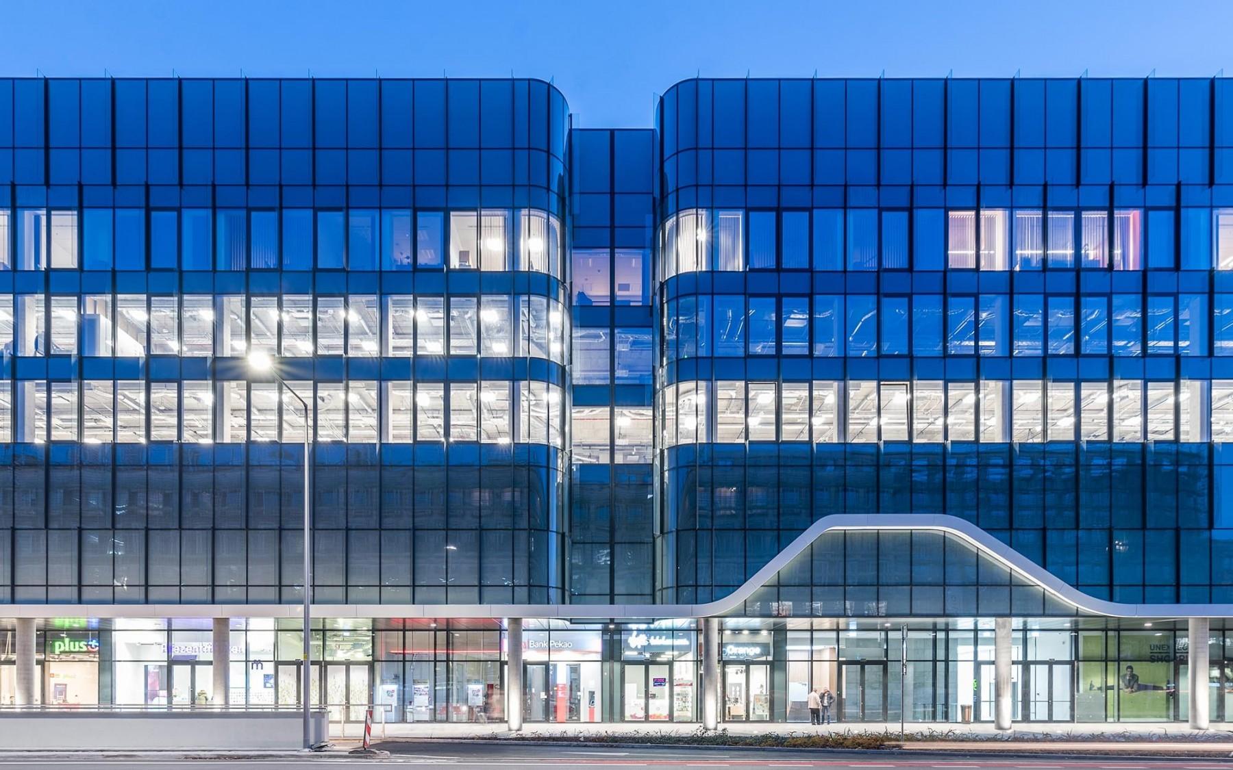 imb-asymetria-wroclavia-shopping-center.jpg